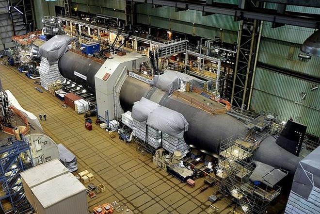 Siêu tàu ngầm hạt nhân Mỹ mới hạ thủy đã bị nước biển lột vỏ - ảnh 5