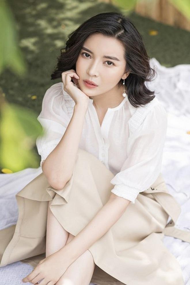 Cao Thái Hà: Tôi đã tự tử bằng cách đâm đầu vào tường, bỏ nhà đi bụi để cha mẹ không li dị - Ảnh 4.