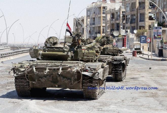 Phiến quân đánh rát, lính Syria bỏ cả chiến tăng T-72 để tháo chạy - Ảnh 18.