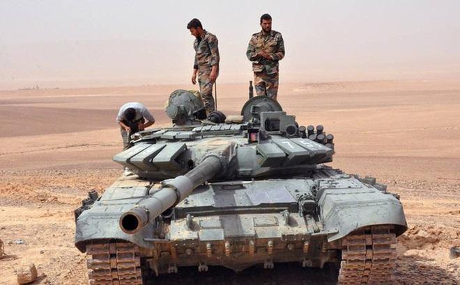 Phiến quân đánh rát, lính Syria bỏ cả chiến tăng T-72 để tháo chạy - Ảnh 35.