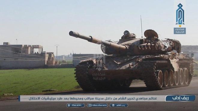 Phiến quân do Thổ Nhĩ Kỳ hậu thuẫn tóm sống loạt xe tăng T-90A, T-72, T-55 của QĐ Syria - Ảnh 4.