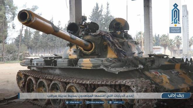 Phiến quân do Thổ Nhĩ Kỳ hậu thuẫn tóm sống loạt xe tăng T-90A, T-72, T-55 của QĐ Syria - Ảnh 5.