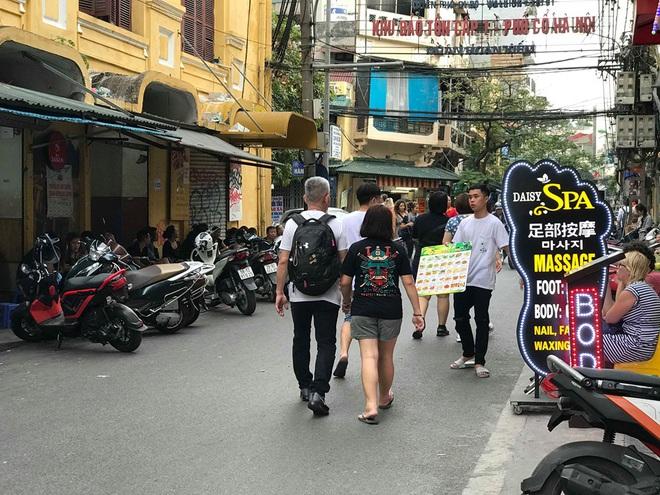 Đói khách vì dịch Covid-19, khách sạn 3 sao ở Hà Nội giảm sốc giá phòng còn 299.000 đồng - Ảnh 10.