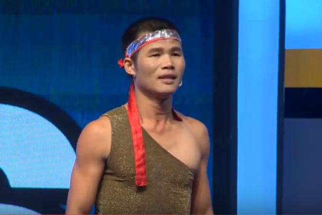 Hari Won khóc thét trước chàng Grab nâng người 80 kg bằng yết hầu - Ảnh 1.