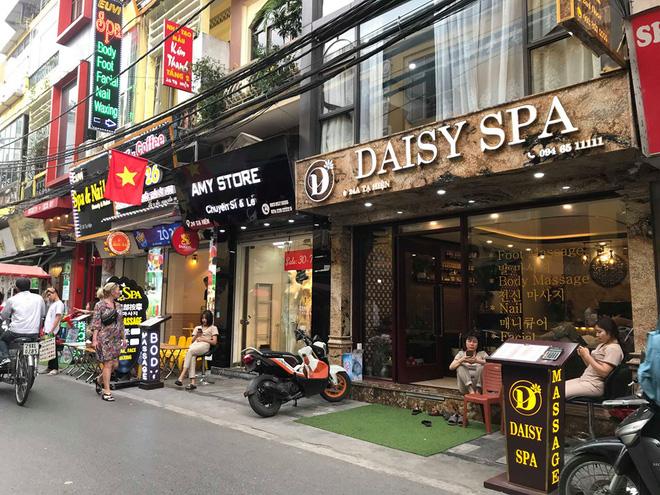 Đói khách vì dịch Covid-19, khách sạn 3 sao ở Hà Nội giảm sốc giá phòng còn 299.000 đồng - Ảnh 8.