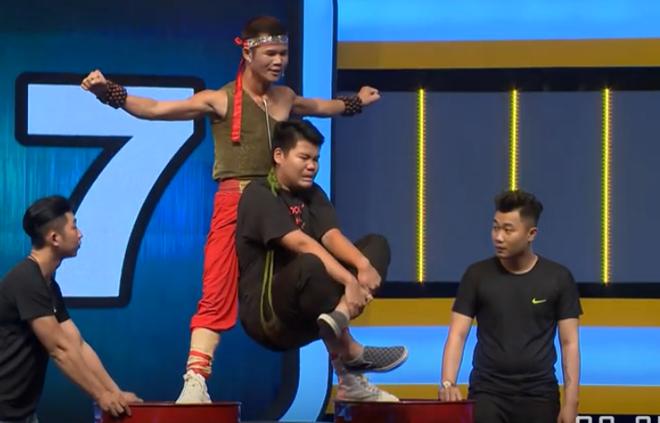 Hari Won khóc thét trước chàng Grab nâng người 80 kg bằng yết hầu - Ảnh 3.
