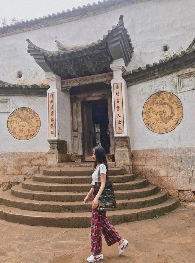 Đi Hà Giang, cô gái được mẹ chụp cho loạt ảnh nghìn like: Câu chuyện phía sau khiến tất cả thích thú - Ảnh 4.