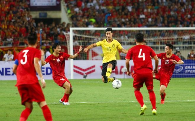Đội tuyển Việt Nam liệu có gặp khó trước Malaysia khi V.League dời lịch vì dịch cúm?