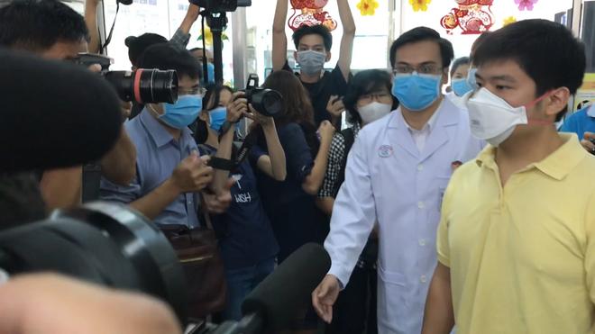 Nam bệnh nhân người Trung Quốc nhiễm virus corona ở TP HCM được xuất viện - Ảnh 4.