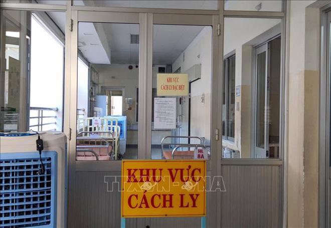 Việt Nam điều trị khỏi cho 2 người nhiễm virus corona, 1 người đã được xuất viện - Ảnh 1.