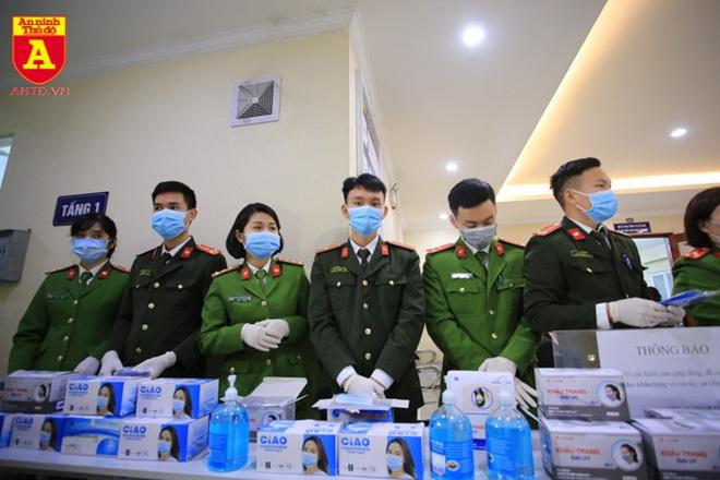 Việt Nam đã điều trị khỏi cho 3 người nhiễm virus corona - Ảnh 2.