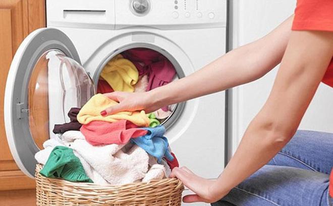 Muốn quần áo mặc bao năm vẫn bền màu như mới, chỉ cần duy nhất 1 thứ bếp nhà ai cũng có