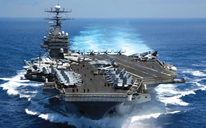 """""""Tất cả chúng ta đều sẽ chết!"""": Con số 12 đáng sợ đang bóp nghẹt Hải quân Mỹ"""