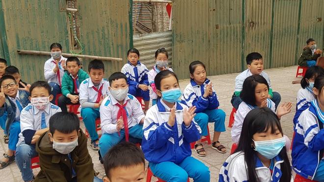 Sở Giáo dục Nghệ An đề xuất cho học sinh nghỉ đồng loạt phòng tránh cúm nCoV - Ảnh 1.