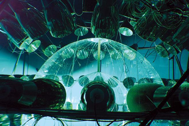 Bí ẩn hạt ma dưới lòng đất: Tốc độ ngang ngửa ánh sáng khiến giới khoa học kinh ngạc - Ảnh 3.