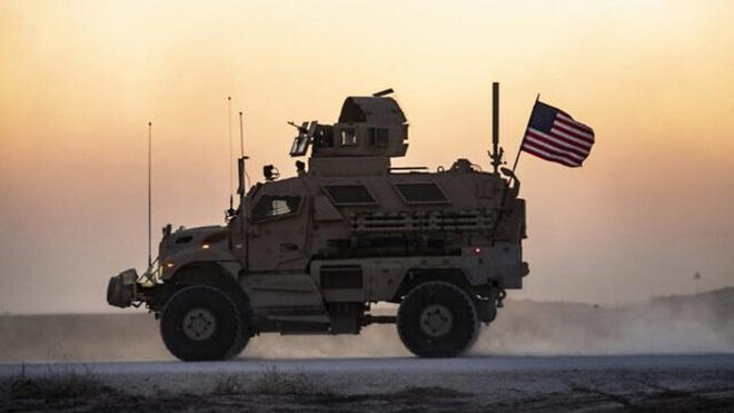 Xe bọc thép Nga húc thẳng thiết giáp Mỹ khi bị cản đường? - Ảnh 14.