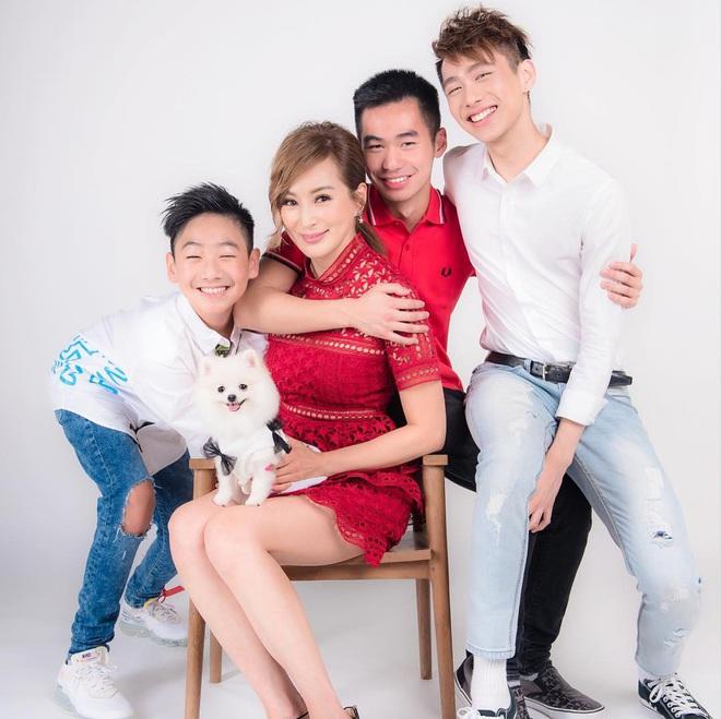 Hoa hậu châu Á gợi cảm nức tiếng: Bị chồng ruồng bỏ vì ngoại tình, U60 vẫn khoe hình thể - Ảnh 5.