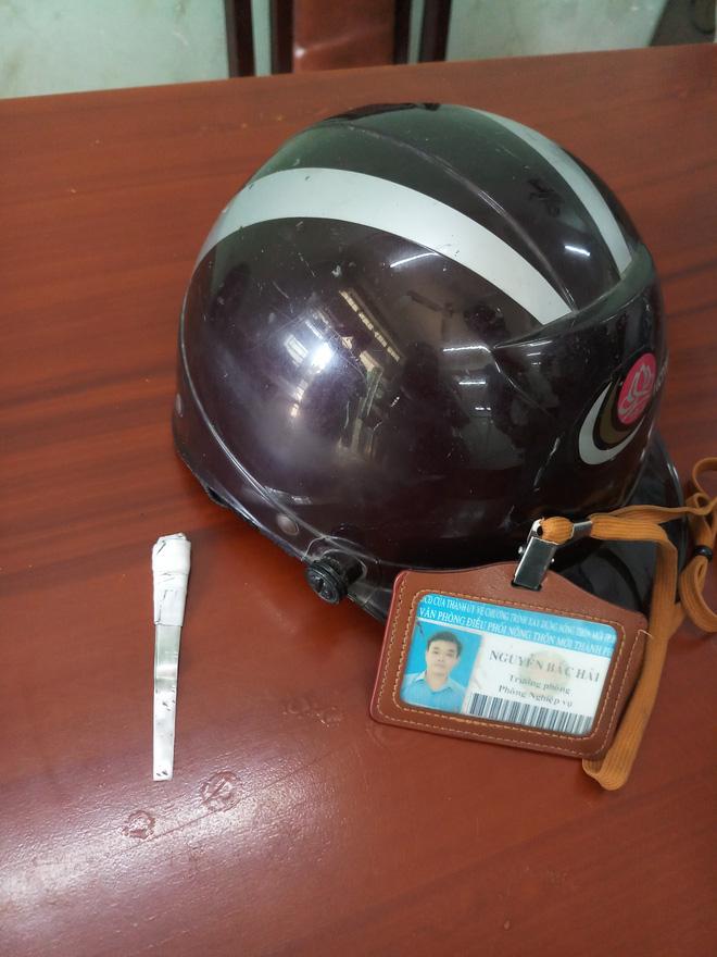 Kẻ đội nón công an chuyên mở cốp xe nhân viên cơ quan nhà nước ở Sài Gòn để trộm cắp - Ảnh 1.