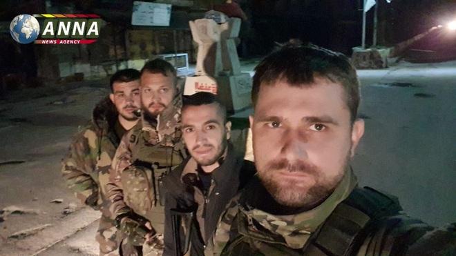 Cháy nhà ra mặt chuột: Saraqeb sụp đổ, lộ diện thế lực đang giải vây cho khủng bố Syria? - Ảnh 2.