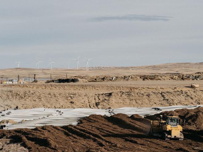 Đừng tưởng điện gió là sạch, cánh tuabin không thể tái chế đang nằm chất đống thành những bãi rác khổng lồ - Ảnh 4.