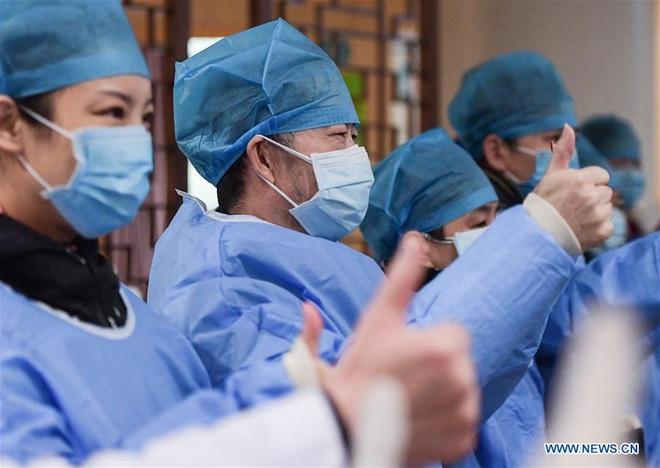 TQ ghi nhận 636 người tử vong; ông Tập Cận Bình kêu gọi chiến tranh nhân dân chống virus - Ảnh 1.