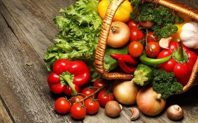 """BS khuyến cáo tới """"đầu bếp tại gia"""" 2 việc quan trọng về chế độ ăn uống trong mùa dịch"""