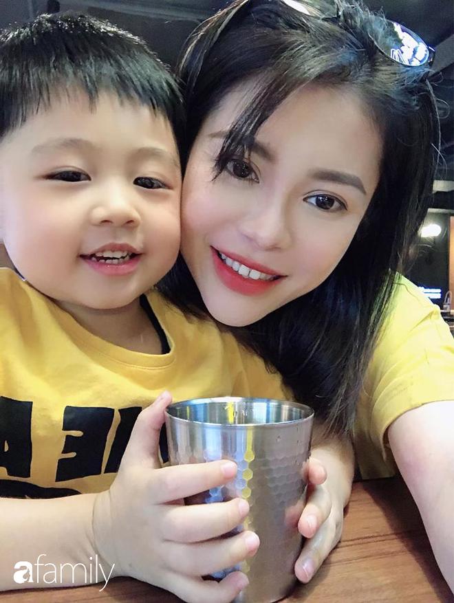 Nỗi khổ xa chồng bất đắc dĩ của cô vợ người Việt cùng 2 con nhỏ vì Corona, tiết lộ cuộc sống hiện tại của anh chồng một mình tại Hongkong - ảnh 3