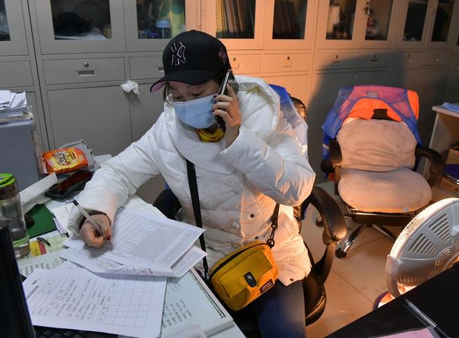 Dùng trạng thái thời chiến: Siết chặt giám sát chưa từng thấy, TQ quyết không để lọt virus corona - Ảnh 6.