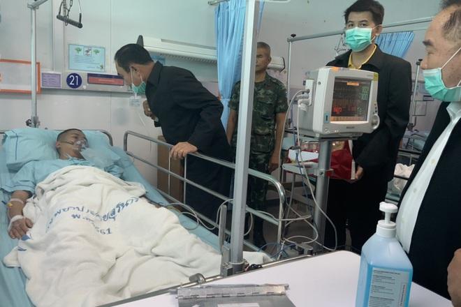 Kẻ xả súng ở Thái Lan bị tiêu diệt sau 17 giờ tử thủ: Đấu súng lúc rạng sáng, cảnh sát thương vong - Ảnh 2.