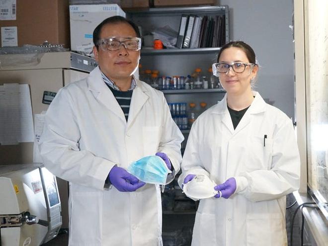Nhà nghiên cứu Canada: Khẩu trang phủ muối có thể vô hiệu hóa virus bám trên bề mặt trong 5 phút  - Ảnh 1.