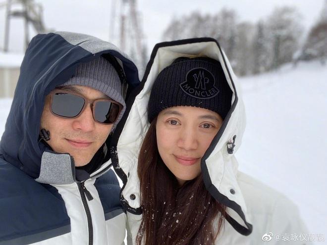 Mấy ai được như cặp Viên Vịnh Nghi - Trương Trí Lâm: 19 năm bên nhau nàng vẫn đỏ mặt, tim đập mạnh khi chụp ảnh với chàng - Ảnh 4.