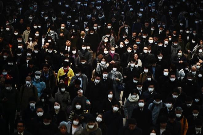 7 ngày qua ảnh: Người Nhật đứng chờ đông nghịt tại ga tàu điện ngầm - Ảnh 2.