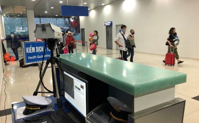 Hải Phòng phân loại, cách ly ngay 181 hành khách trên chuyến bay về từ Hàn Quốc