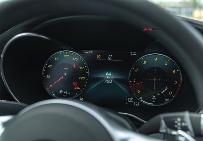 Chạy 7.000 km, đại gia Việt vẫn bán Mercedes-Benz C300 AMG ngang ngửa giá mua mới - Ảnh 3.