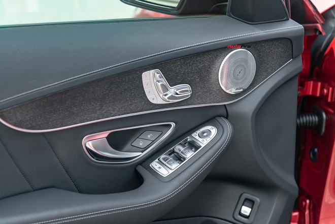 Chạy 7.000 km, đại gia Việt vẫn bán Mercedes-Benz C300 AMG ngang ngửa giá mua mới - Ảnh 4.