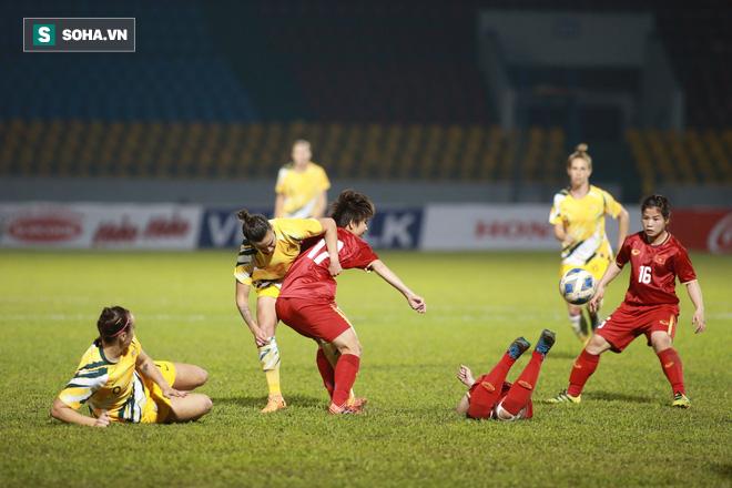 Rực sáng về tinh thần, Việt Nam có bàn thắng vàng trước Australia - Ảnh 2.