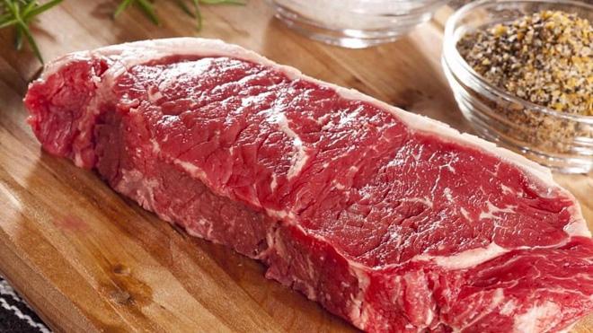 Chị em đi chợ nên bỏ qua ngay miếng thịt bò nếu quan sát và nhấn tay phát hiện ra điều này - Ảnh 2.