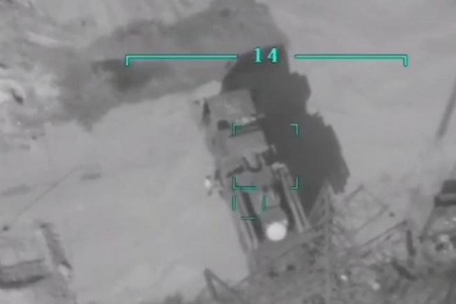 Tên lửa sát thủ L-UMTAS của Thổ Nhĩ Kỳ khiến hàng loạt khí tài Syria bốc cháy - Ảnh 6.