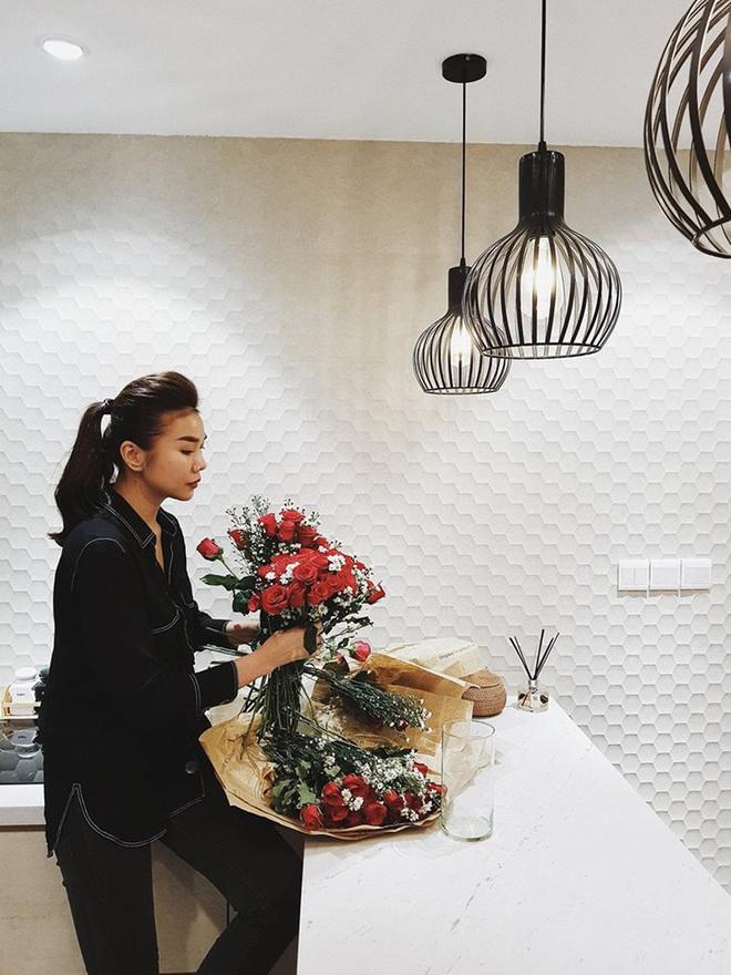 Điều đặc biệt bên trong căn hộ độc thân của chị đại Thanh Hằng - Ảnh 7.