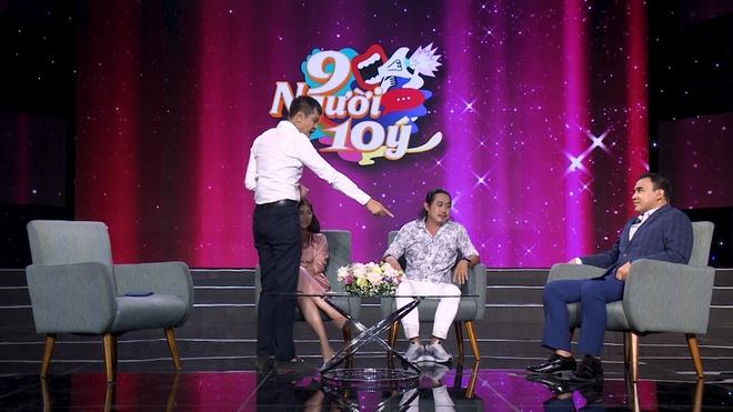 Đạo diễn Lê Hoàng bật dậy, chỉ thẳng vào Quyền Linh: Người Việt Nam xưa không ăn mặc như ông Quyền Linh - Ảnh 4.