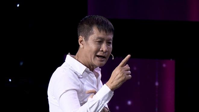 Đạo diễn Lê Hoàng bật dậy, chỉ thẳng vào Quyền Linh: Người Việt Nam xưa không ăn mặc như ông Quyền Linh - Ảnh 3.