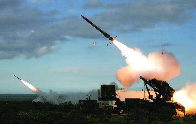 Tên lửa Patriot đến trễ, lính Mỹ chịu trận trước mưa rocket ở Iraq: Thiệt hại nặng - Ảnh 1.