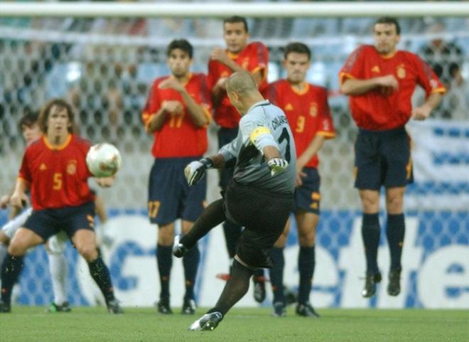Dọa cho Ronaldinho ngồi tù mọt gông, Chilavert mượn gió bẻ măng để tranh cử tổng thống - Ảnh 4.