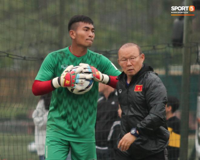 Công an vào cuộc điều tra nghi án nhường điểm liên quan đến thủ môn U23 Việt Nam - Ảnh 1.