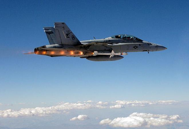 [ẢNH] Cuồng phong Châu Âu EF-2000 được trang bị thêm tên lửa sát thủ diệt radar - Ảnh 13.