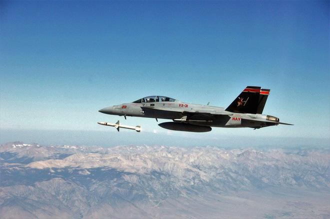 [ẢNH] Cuồng phong Châu Âu EF-2000 được trang bị thêm tên lửa sát thủ diệt radar - Ảnh 3.