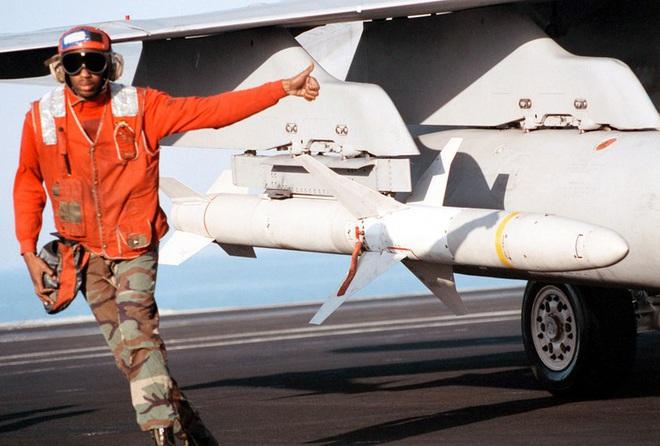 [ẢNH] Cuồng phong Châu Âu EF-2000 được trang bị thêm tên lửa sát thủ diệt radar - Ảnh 5.