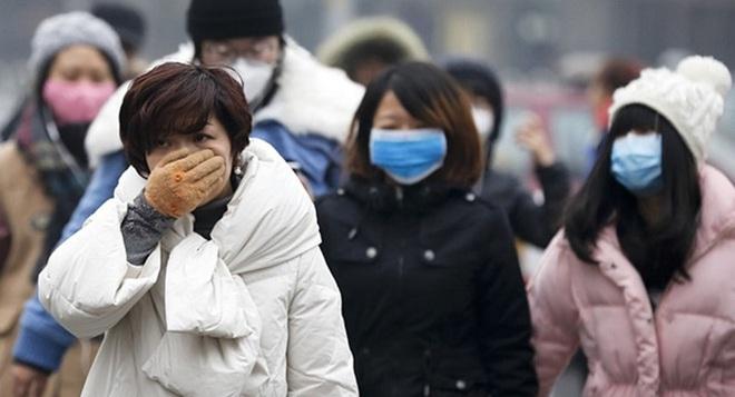 Bác sĩ Việt tại Mỹ giải đáp câu hỏi lớn: Khẩu trang y tế có phòng được virus corona không? - Ảnh 2.