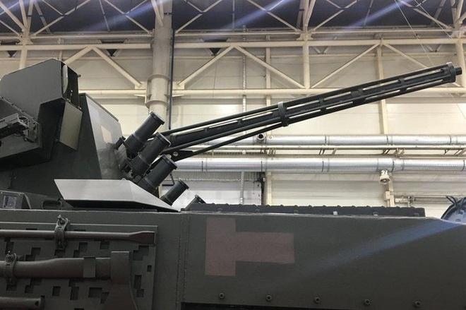 [ẢNH] Rũ bỏ thiết kế truyền thống Liên Xô, Ukraine ra mắt xe bọc thép chuẩn NATO - Ảnh 11.