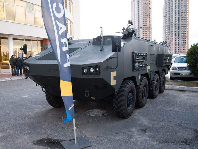 [ẢNH] Rũ bỏ thiết kế truyền thống Liên Xô, Ukraine ra mắt xe bọc thép chuẩn NATO - Ảnh 13.